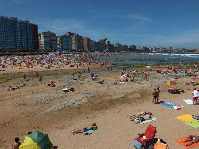 Playa de Gijon en el Piles