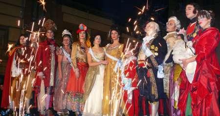foto de personajes historicos en carnavales