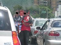 Menores vendiendo en las calles 2