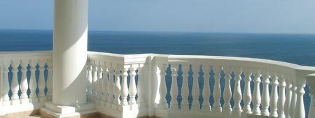 Desnudo en el balcón