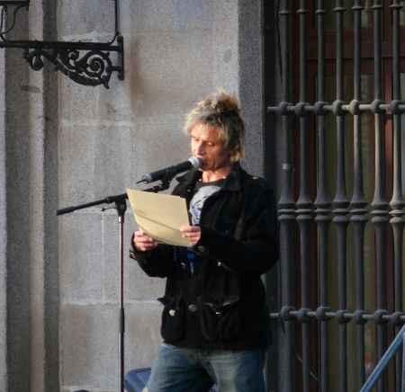 Nacho Cano leyendo el pregón