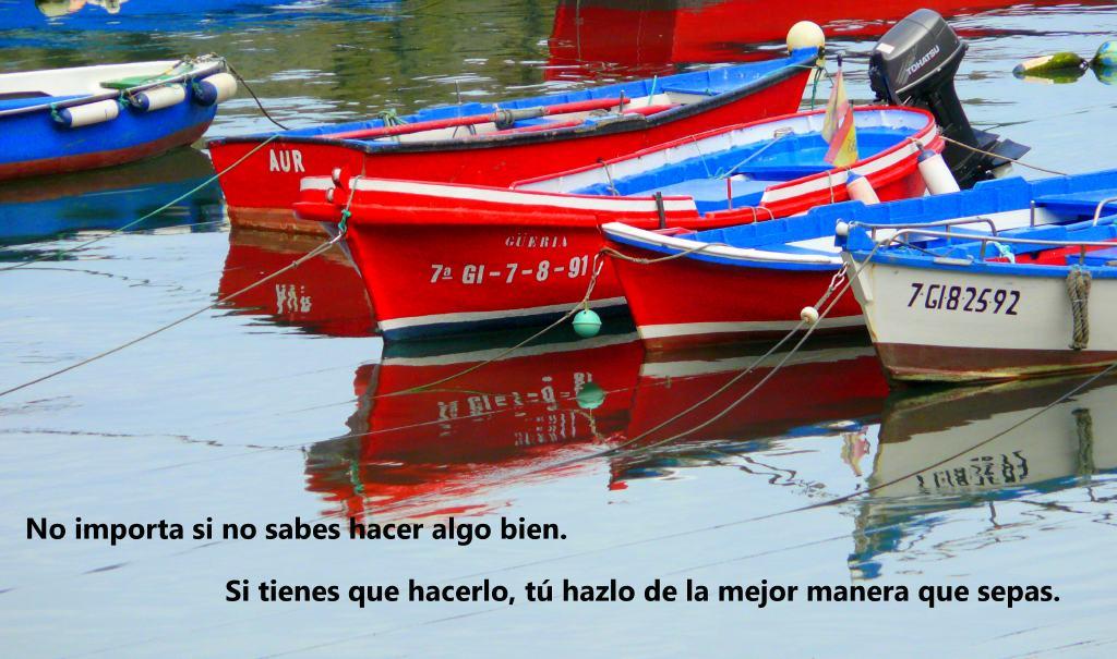 botes de pesca en Cudillero